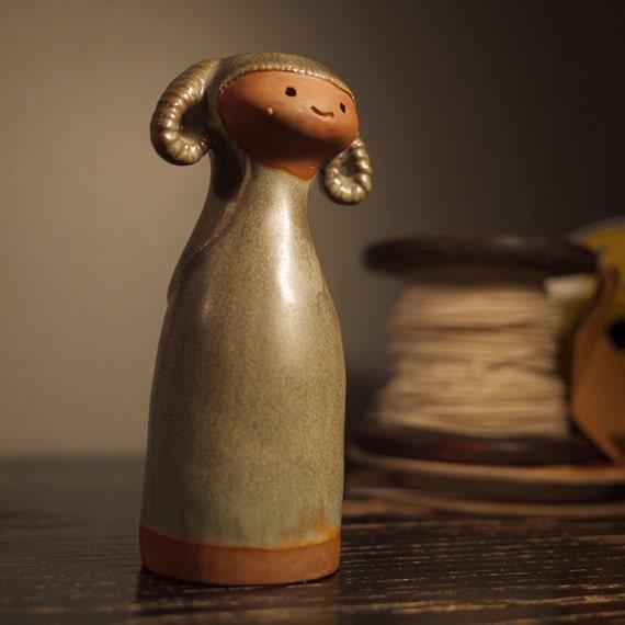 japanese girl pottery vase