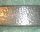 Vintage Hammered Aluminum Serving Tray Dogwood Flowers Shabby Cottage Chick Vintage Decor Vintage Style Spring Snack Tray