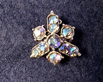 Very Lively Aurora Borealis Stone Pin. Wonderful Colors.