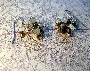 Airplane Earrings. Goldtone finish.