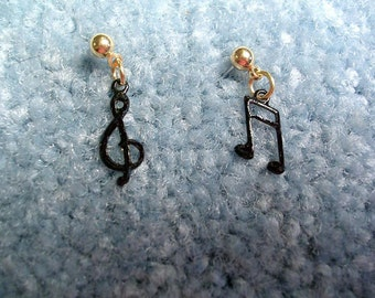Hand Painted Music Note  Earrings.Nice gift for Music Lovers.