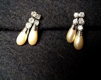 Vintage Pearl and Clear  Stone   Rhinestone Earrings.