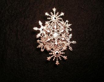 Seven  Piece Snowflake     Pin