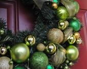 CUSTOM ball ornament wreath choose your OWN colors - Christmas Wreath - Holiday Wreath - Christmas Ornaments - Christmas Wreath