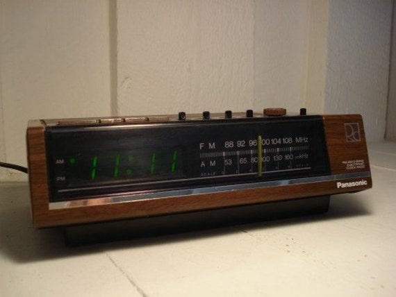 vintage panasonic green digital alarm clock radio. Black Bedroom Furniture Sets. Home Design Ideas
