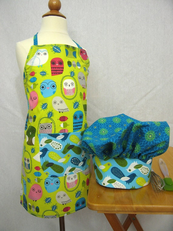 Little Girls Apron and Hat Set with Owls on a Lime Green Background - Kaufman fabric