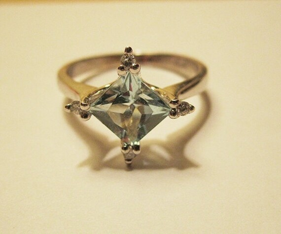 Beautiful Vintage Aquamarine and Diamond 14 k Solid White Gold Ring 14k REDUCED