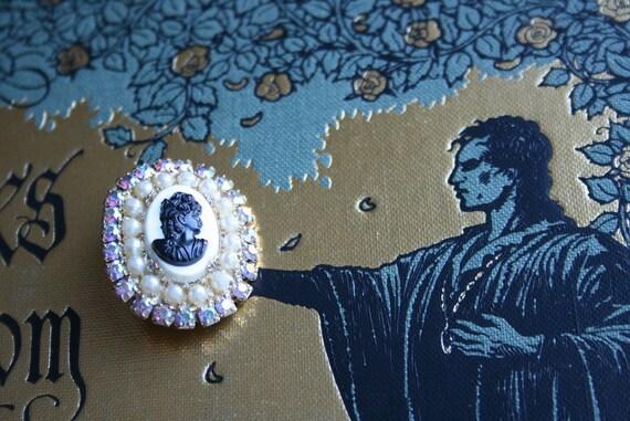Sweet Cameo Brooch - Rhinestones and Pearls