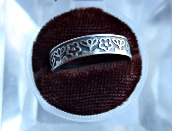 Flower Daisy Sterling Silver Large Band - 925- Size 8