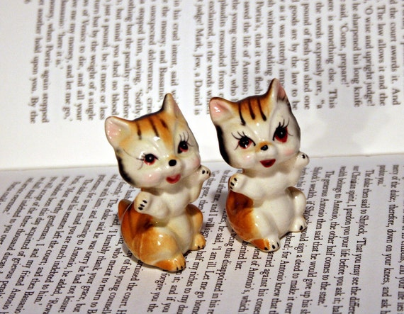 Adorable Twin Kittens - Japan - White and Orange Striped Cat Figurine