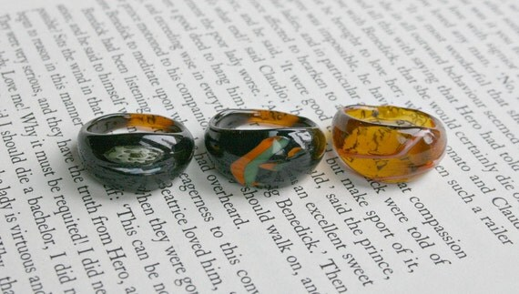 Lot of 3 Glass Rings - Marble Color - Black Amber Green Orange Glass Rings