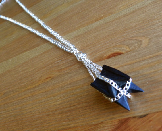 Black Swinging Anchor Chain Necklace