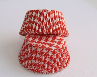 50 Red and White Houndstooth Baking Cups