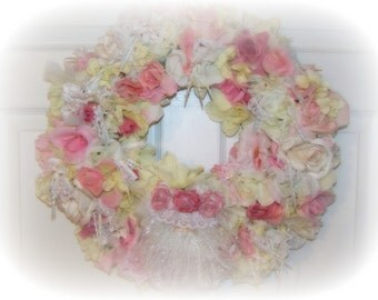 Beautiful Pink White Shabby Santa Christmas Rose Sparkly Icicle Wreath