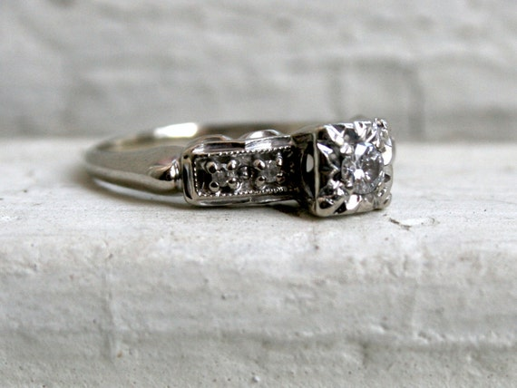 Fancy Five Stone Vintage 14K White Gold Diamond Engagement Ring - 0.28ct