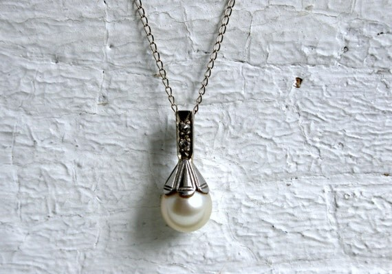 Pretty Vintage Diamond and Pearl 14K White Gold Pendant with Chain.