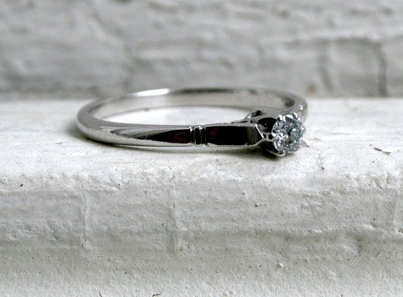 Stunning Vintage Diamond Solitaire Engagement Ring in Platinum and 18K White Gold