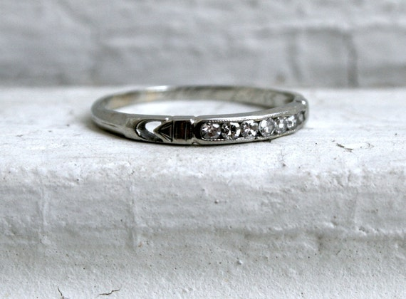 Classic Art Deco 18K White Gold Diamond Wedding Band.