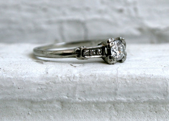 Classic Vintage 14K White Gold Diamond Engagement Ring - 0.46ct