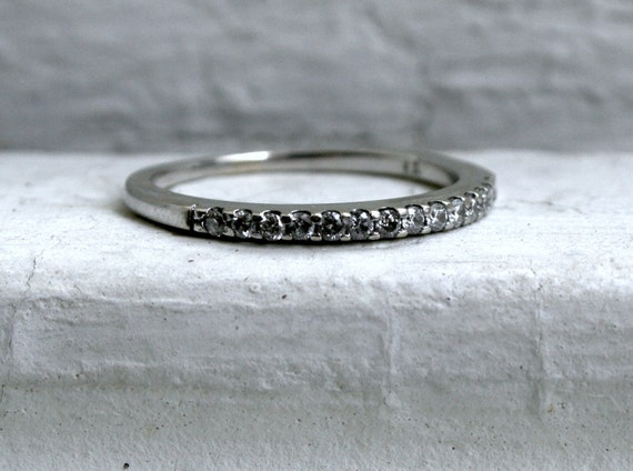 Sparkly Thin Vintage 14K White Gold Diamond Band - 0.14ct