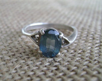 Vintage Sterling Silver and Blue gemstone Ring, size 8