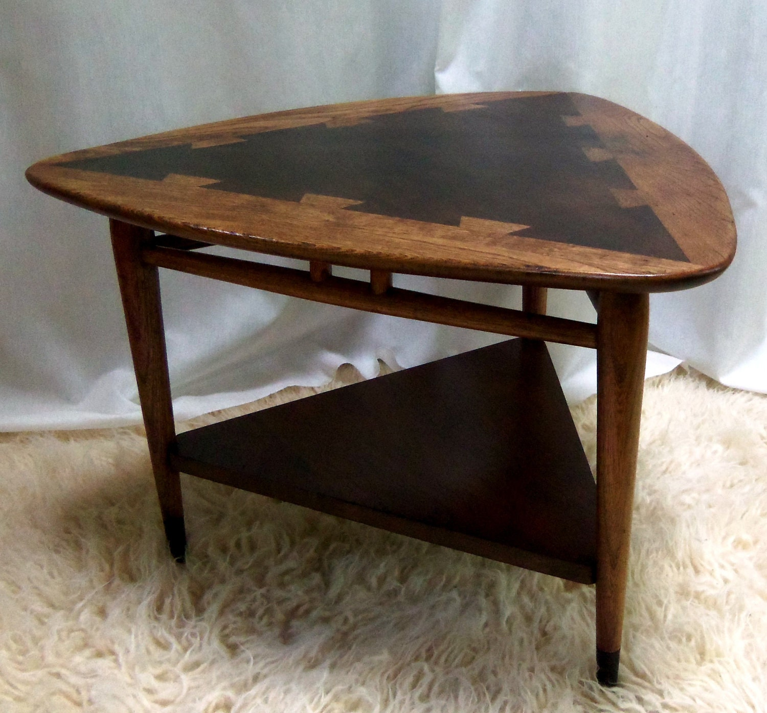 Mid Century Lane Acclaim Side Table Guitar Pick