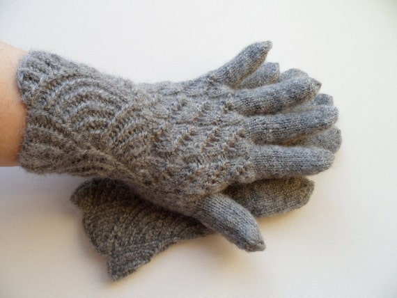 Hand Knitted Gloves - Gray, Size Medium