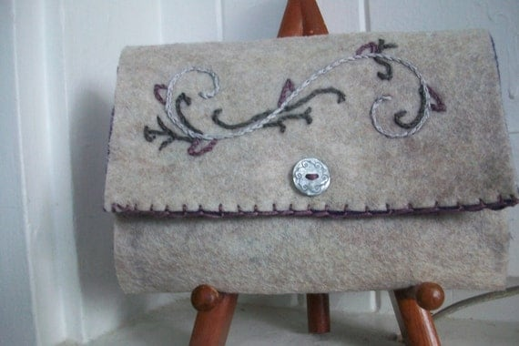 Handmade Felt Wallet (Hand Embroidered with Floral Pattern)