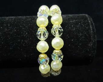 Vintage crystal bead and faux pearl bracelet, memory wire bracelet, 1950's bead bracelet