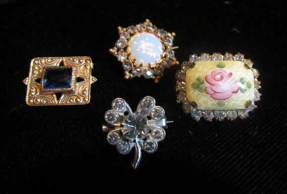 Group of 4 vintage & antique tiny pins, Victorian, Art Deco, 1950's