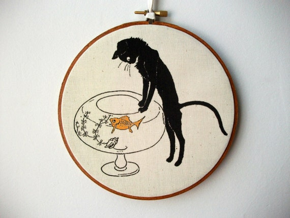 Printed Fabric Hoop Art Wall Hanging - Curious Cat