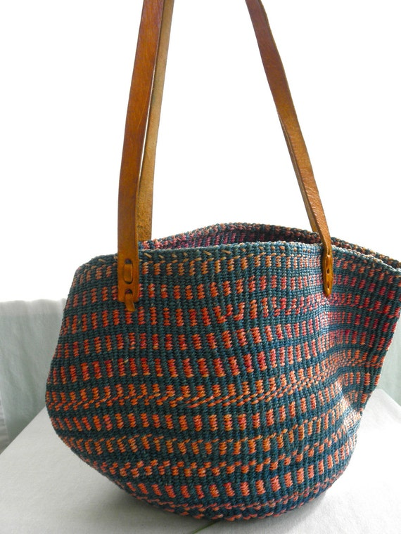 1970s-1980s Vintage Jute Pink and Teal Bucket Bag