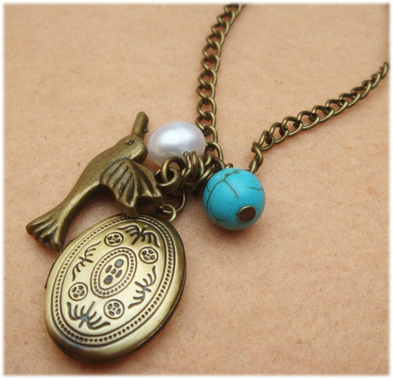Locket Bird and Turquoise White Pearl Necklace