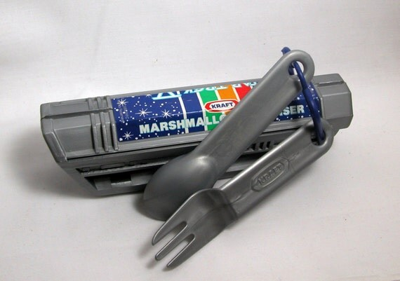 Vintage 1989 Star Trek Marshmallow Dispenser With Fork And Spoon