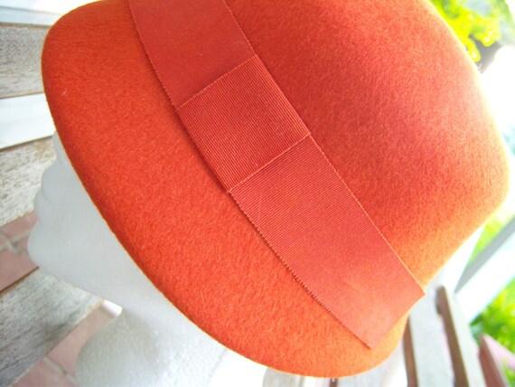 RESERVED for MELANIEHORN1: 1940s Orange Wool Felt Cloche Hat Neumann-Endler Inc Fairfield Felts 100% Wool
