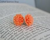 Peach Mum Cabochon Earrings