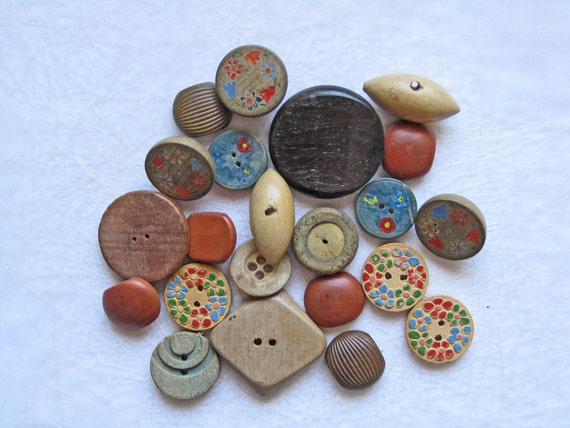 22 vintage wood buttons FREE SHIPPING