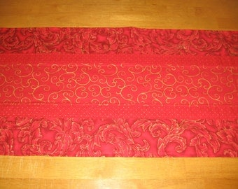 Gold and Red Christmas Table Runner Tablerunner by Sew Practical, Mom and Pop Craft