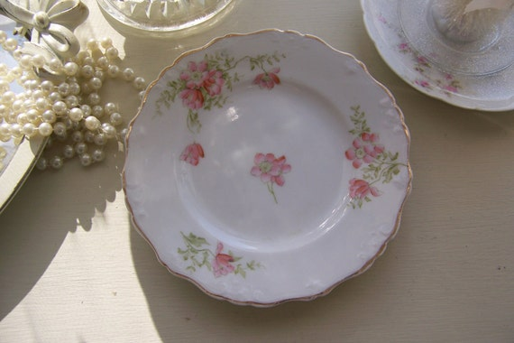 Shabby Chic Cottage Floral Pretty Plate