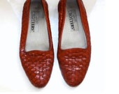 Vintage TROTTERS Oxfords Flats Loafers Red Shoes Size 8 - 8.5
