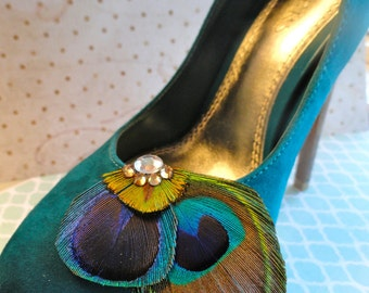 DUCHESS Natural Peacock Feather Shoe Clips, Rhinestone Shoe Clips