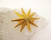 SALE Vintage Star Pin, Brooch,Starburst , Gold, Gold tone