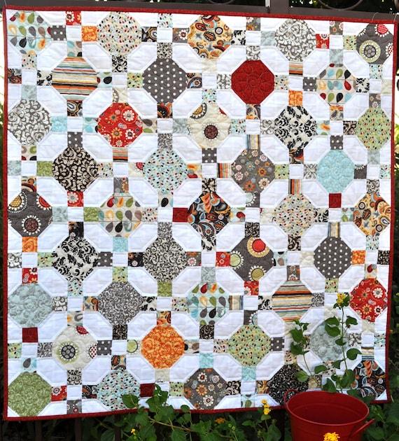 Daisy Crossing Quilt Pattern