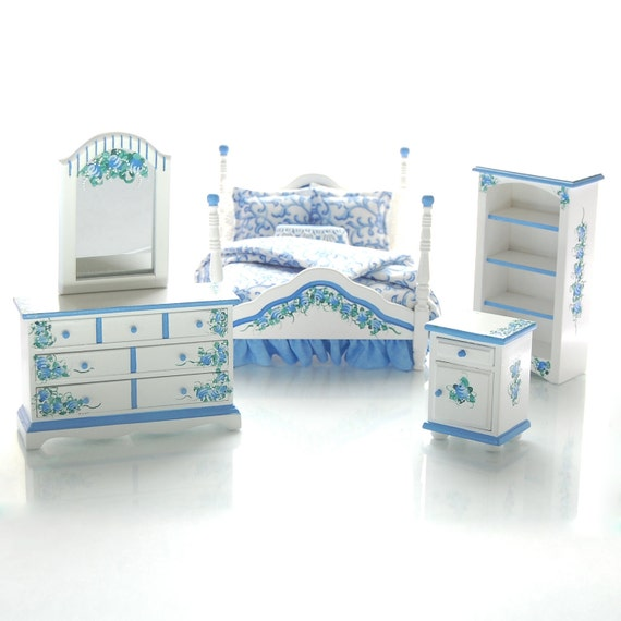 DUTCH BLISS Blue & White Victorian Hand Painted Dollhouse Miniature Furniture Bed Bedroom Set