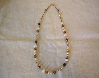 TheColorsOfWhite Pearl Necklace