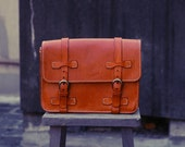 NO.4 MESSENGER BAG leather old school style mail bag