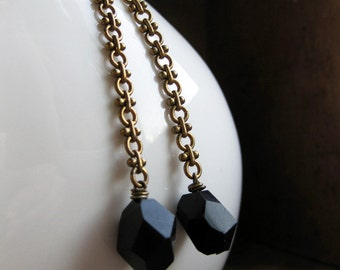 Bold BLACK FACETS vintage brass chain earrings