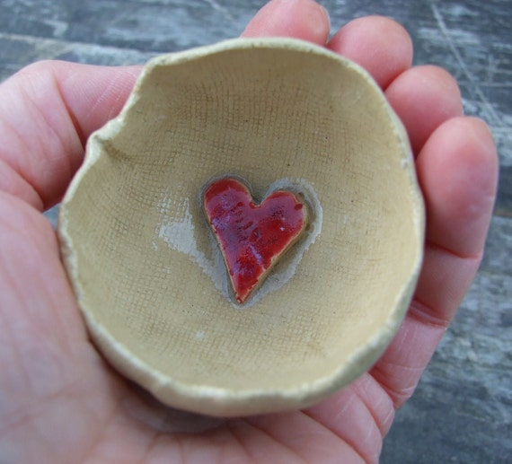 Rustic bowl biscuit coloured, crackle glazed, red heart,  for rings and precious things.