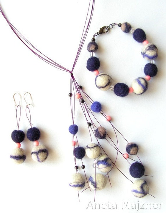Set hand felted wool garnet pink coral rock crystal purple and white balls necklace bracelete earrings