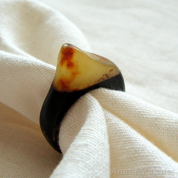Unique hand-carved wooden ring with natural lemon baltic amber Rustic style